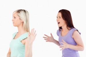 bes, komunikacija, ljutnja, svadja, agresija